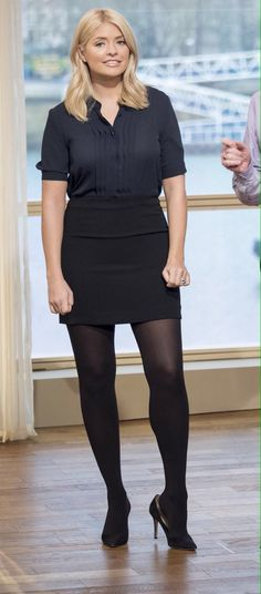 Fashion Tips Outfits Holly Willoughby.Fashion Tips Outfits Holly Willoughby Black Opaque Tights, Black Pantyhose, Pantyhose Heels, Nylons, Holly Willoughby Legs, Skirt Outfits, Cool Outfits, Short Skirts, Mini Skirts