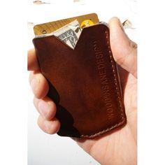 Achetez un cadeau original pour homme : petit porte-cartes en cuir naturel Wallace de Wood Insane Design, un porte-cartes vintage en cuir cousu à la main