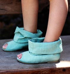 Linen booties for little girls. From Joy Folie. These would last about 10 minutes in my girls but those 10 minutes could be worth it!
