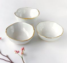White and Gold Bowl  Jewelry Dish Ring Dish Catchall di ModernMud