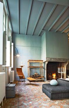 Verf je muur en je plafond in dezelfde kleur  www.biggelaarverfenwand.nl