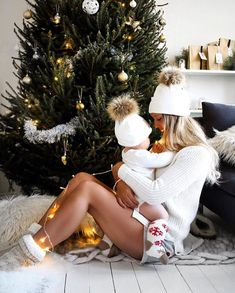 "♡ ANNA KYRIN ♡ HOW IN THE  HELL DID YOU KNOW WHAT I WANTED FOR CHRISTMAS ♡♡  I SO LOVE "" MY WOMAN "" ♡♡ Baby Family, I Love Family, Christmas Photos, Christmas Ideas, I Love You Baby, Child Love, So Cute Baby, Cute Kids, Cute Babies"