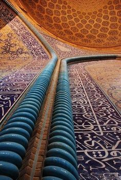 Muslim Mosques throughout the world contain some of the most beautiful architecture and interior designs which have sublime intricate patterns. In today& post we& be looking at some delightful and breathtaking mosque ceilings, these ceilings Persian Architecture, Beautiful Architecture, Art And Architecture, Architecture Details, Islamic Tiles, Islamic Art, Teheran, Bagdad, Persian Culture
