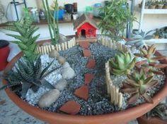 26 Finest Succulent Yard Concepts All Over The World Fairy Pots, Mini Fairy Garden, Indoor Fairy Gardens, Miniature Fairy Gardens, Succulent Terrarium, Succulents Garden, Front Yard Garden Design, Dish Garden, Ideas