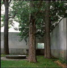 Skogskyrkogården, crematorium yard, 1900s. Architects Gunnar Asplund and Sigurd Lewerentz. Photo by Ekaterina Konovalova, 2012.