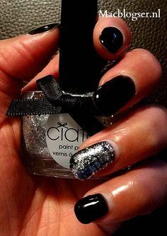 Ciate Locket, silver glitter nail polish combined with Alessandro Striplac gel nail polish
