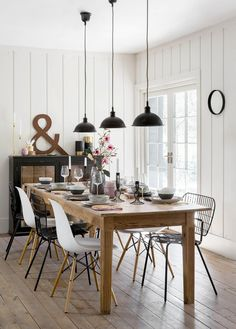 30 Brilliant Image of Diy Dining Room Decor . Diy Dining Room Decor 32 Stylish Dining Room Ideas To Impress Your Dinner Guests The Luxpad Dinning Room Tables, Dining Room Walls, Dining Room Lighting, Dining Room Sets, Dining Room Design, Kitchen Lighting, Room Chairs, Decoration Tumblr, Decoration Bedroom
