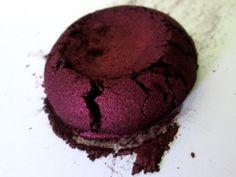 Pecadora Borgoña ojo sombra Mineral Natural por FierceMagenta