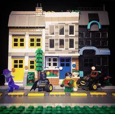 ... Robin layed an egg. Batmobile lost a wheel and Joker got away. Hey!  #Lego #legos #legostagram #legominifigures #toyslagram_lego #bricknetwork #instagram #batman #robin #batmobile #citynights #moc #afol #superheroes #christmascarols #jinglebells #batmansmells #streetscape #road #nightlife #legophotography #legodc by stalwart_paragon