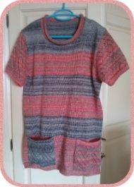 Pulli aus Sockenwolle mit Lochmuster an den Ärmeln und den Taschen