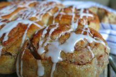 3 sunnere oppskrifter på kanelboller - Vektklubb French Toast, Food And Drink, Chicken, Meat, Baking, Breakfast, Dessert, Bread Making, Breakfast Cafe