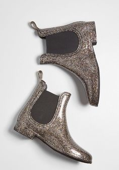Glitz Raining, Glitz Pouring Rain Boot in Glitter in 7 is part of Boots - Put some pizzazz into your puddle jumping with these sparkly rain boots by Report Footwear! Fusing a chic silhouette and black stretch panels with playful High Heel Boots, Heeled Boots, Shoe Boots, Women's Boots, Bootie Boots, Shoe Shoe, Riding Boots, Buy Shoes, Me Too Shoes