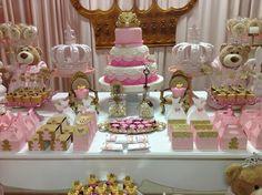 Hoje tem Festa Ursas Princesas, uma decoração encantadora!!Amor a Primeira vista nesta fofura de festa.Imagens do Facebook Empório dos Sonhos.Lindas ideias e Muita Inspiração.Bjs, Fabíola Tel...