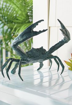 Sheldon the Crab is artisan-crafted for realism: molded, welded, and painted by hand to embody all the details of his natural counterparts. Made entirely of aluminum, he's weather-ready, with a polished powdercoat finish, for use indoors or out. Louisiana Art, Artisan, Weather, Curb Appeal, Natural, Garden Oasis, Garden Structures, Porches, Beach House