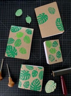 Printing with Cotton & Flax DIY Block Printing with Cotton and FlaxDIY Block Printing with Cotton and Flax cuadernos reciclados Diy Tumblr, Tumblr Book, Notebook Cover Design, Notebook Covers, School Book Covers, Wrapping Gift, Sketchbook Cover, Stamp Carving, Cute Notebooks