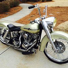 @randfall97 Beautiful bike! #harley #harleydavidson #shovelhead #duoglide