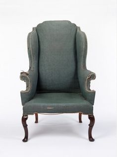 Wing chair, walnut, English, first half 17th century   Geffrye Museum   QUEEN ANNE