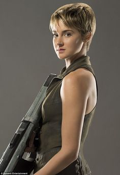 TRIS portrait. tris looked better with longer hair. and her hair was never this short in any of the books