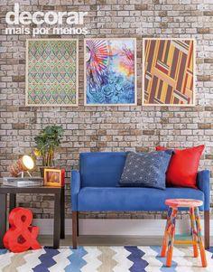 Inspire-se! Para quem quer dar aquela repaginada na sala de estar, a escolha ideal para criar uma atmosfera moderna são quadros, o sofá colorido e a luminária da mesa lateral. Produção: Leandro Fávaro   Foto: Alan Teixeira