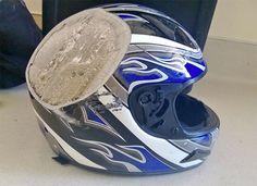 É claro que ninguém precisa dizer que usar capacete é uma boa ideia, mas vamos dizer mesmo assim: USAR CAPACETE É UMA BOA IDEIA!