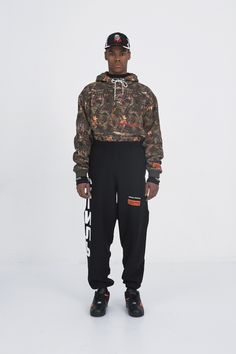 Heron Preston Fall 2017 Menswear Collection Photos - Vogue