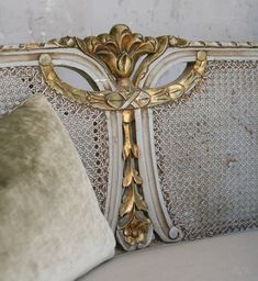Exquisite Shabby Chic Vintage French Style Seafoam Blue & Gilt Cane Settee