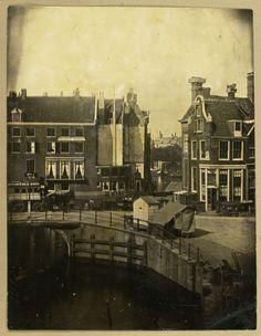 Gezicht op logement Rondeel in Amsterdam vanuit het huis van de fotograaf, Eduard Isaac Asser, c. 1853 - c. 1855