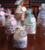 Fun for a spa party favor!  Make a cupcake out of a pair of fuzzy socks.