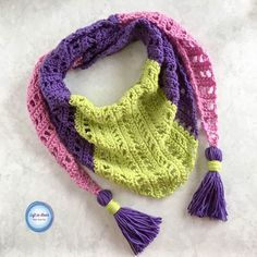 This new free crochet pattern is the perfect Mod Scarf for spring! Pick  your favorite bright (or neutral) colors of Loops and Threads Colorwheel  yarn and then make yourself this trendy, modern scarf.
