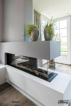 Fantastic Cost-Free Contemporary Fireplace gas Style Modern fireplace designs can cover a broader category compared with their contemporary counterparts. House Design, Home Living Room, Room Design, Home, Home Fireplace, Fireplace Design, House Interior, Home Deco, Home Interior Design