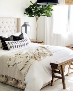 Modern Bedroom Design Ideas for a Dreamy Master Suite Bedroom Apartment, Home Decor Bedroom, Modern Bedroom, Bedroom Furniture, Bedroom Ideas, Bed Ideas, Neutral Bedrooms, White Bedrooms, Bedroom Vintage