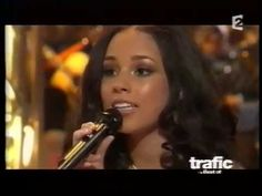 Alicia Keys sings in french avec Henri Salvador, Laurent Voulzy, Bernard. Laurent Voulzy, Alicia Keys, Salvador, Mona Lisa, Singing, English, French, Songs, Music