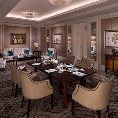 Shangri-La Bosphorus, Istanbul, with its 9 meeting rooms and 2 ballrooms is designed exquisitely for your social gatherings and meetings.