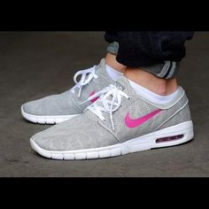 Janoski max Brand New without box never used before only selling because it's too small  Nike Shoes Athletic Shoes