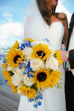 Lighthouse Point Yacht and Racquet Club #Wedding Bouquet