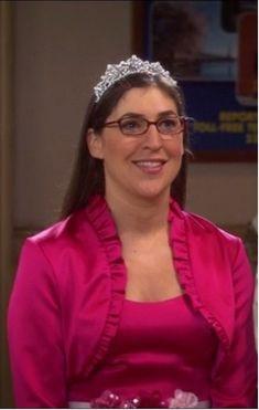 Princess Amy Farrah Fowler wearing her tiara Big Bang Theory Series, The Big Theory, Amy Farrah Fowler, Sims, Red Ribbon Week, Mayim Bialik, Celebrity Singers, Jim Parsons, Friends Tv