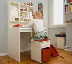 Spätestens dann, wenn euer Nachwuchs seine schulische Laufbahn beginnt, solltet ihr das Kinderzimmer mit der passenden Einrichtung ausstatten.