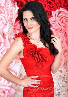 Russian woman lady: Tatyana from Kharkov, 27 yo, hair color Chestnut