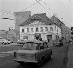 Alžbetka Bratislava, Arches, Old Photos, Vehicles, Motorbikes, Historia, Automobile, Old Pictures, Vintage Photos