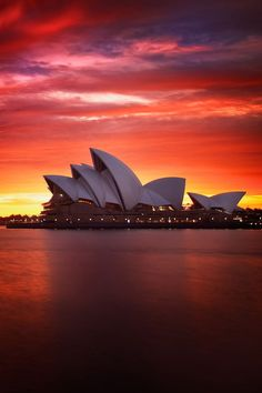 Opera  House, Sydney. Beautiful Places in the world