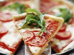 Pizza Margherita mit Rucola - smarter - Zeit: 40 Min.   eatsmarter.de