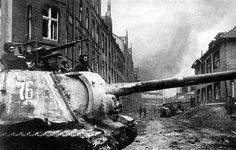 ISU-122 ? Gdańsk 1945 | WW2 tanks | Flickr Isu 152, Soviet Army, Soviet Union, Tank Destroyer, Military Pictures, Ww2 Tanks, Battle Tank, Red Army, Armored Vehicles