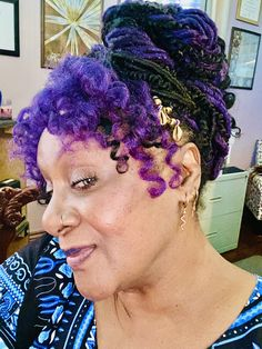 Violet Hair Colors, Shades Of Violet, Magnet Drawing, Purple Reign, Crochet Earrings, About Me Blog, Dreadlocks, Hair Styles, Beauty