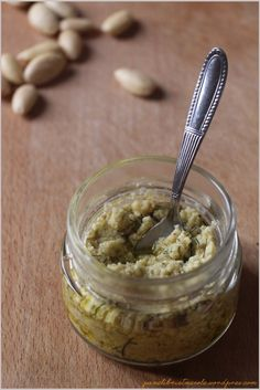 Pesto di mandorle, capperi e finocchietto selvatico - Almond, capers and fennel pesto
