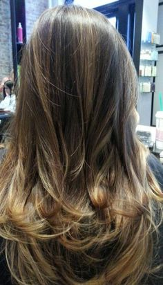 Natural highlights on brunette hair - Fashion and Love