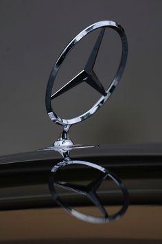 Mercedes-Benz - The True Star.😍 The One and Only.😍 The Best or Nothing. Autos Mercedes, Mercedes World, Mercedes Black, Mercedes Benz 190, Classic Mercedes, Mercedes Benz Cars, Mercedes Benz Wallpaper, Merc Benz, Mercedez Benz