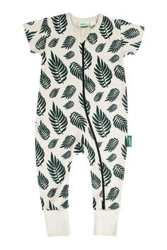 Our essential WAY' zipper style! Quick double zippers allow for easy changes and cuddly comfort. * Produced fair trade in India. Boy Outfits, Cute Outfits, Organic Baby Clothes, 2 Way, Black Romper, Fitness Fashion, Organic Cotton, Kids Fashion, Rompers