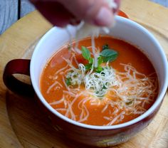 Vegetarian Recipes, Cooking Recipes, Detox Soup, Thai Red Curry, Feta, Oreo, A Table, Food And Drink, Health Fitness