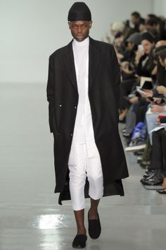 See all the Collection photos from Agi & Sam Autumn/Winter 2014 Menswear now on British Vogue White Fashion, Look Fashion, Fashion Show, Autumn Fashion, Mens Fashion, Fashion Design, Fashion Trends, Vogue Paris, Men Design