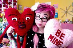 Free Crochet Pattern: Heart Shaped Pillow! (Ricardio the Heart Guy)